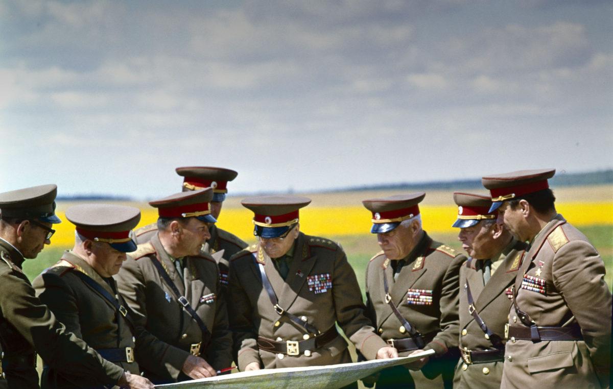 Neuvostoliitolla oli maailman suurin armeija.