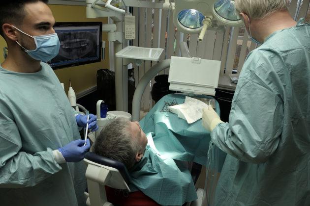 Unkarissa on enemmän hammaslääkäreitä suhteessa väestöön kuin missään muualla maailmassa. Kansainvälisistä potilaista on tullut maahan miljoonabisnes