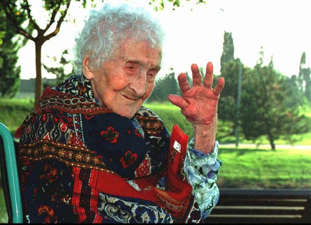 Maailman toistaiseksi vanhimmaksi elänyt ihminen Jeanne Calment kuoli 122 vuoden iässä elokuussa 1997.