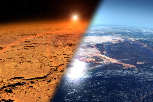 Kuvittajan näkemys Marsista ennen ja nyt. Muinaisen Marsin pinnalla arvellaan olleen nestemäistä vettä ja paksumpi ilmakehä.