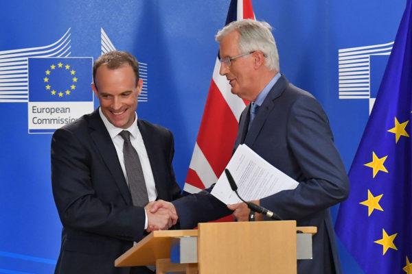Britannian brexit-valtiosihteeri Dominic Raab ja EU:n brexit-neuvottelija Michel Barnier lehdistötilaisuudessa Brysselissä 19.7.2018.