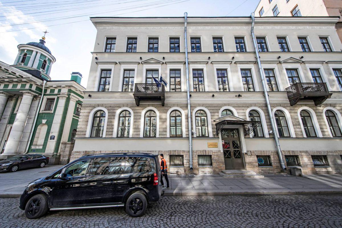 Suomi-talon osoite Pietarissa on Suuri Tallikatu 8.