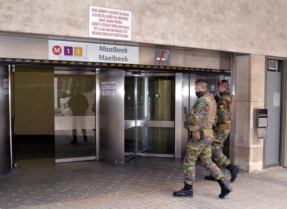 Ääri-islamilaiset terroristit iskivät Maalbekin metroasemalle Brysselissä maaliskuussa 2016. Itsemurhaiskussa sai surmansa 32 ihmistä.