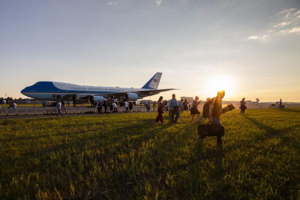 Yhdysvaltain presidentti Donald Trump laskeutuu Helsinki-Vantaalle sunnuntai-iltana. Amerikkalaiset hämmästelevät Suomen hellettä.
