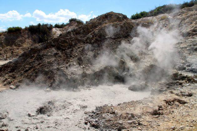 Campi Flegrei -tulivuori uhkaa Napolin kaupunkia.