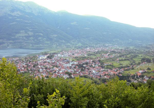 Länsi-Balkanin alue kiinnostaa kiinalaisia. Kuvassa Plavin kaupunki Montenegrossa.