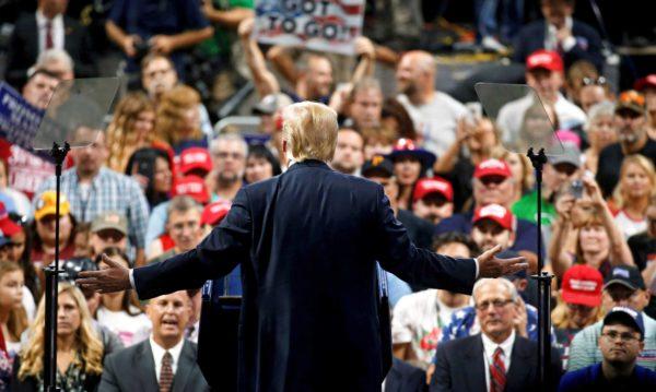 Presidentti Donald Trump kampanjoi republikaanien puolesta Charlestonissa 21. elokuuta.