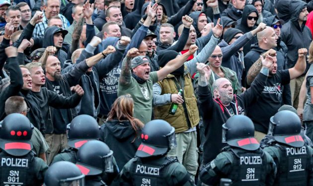 Äärioikeisto osoitti mieltään Chemnitzissä 27. elokuuta.
