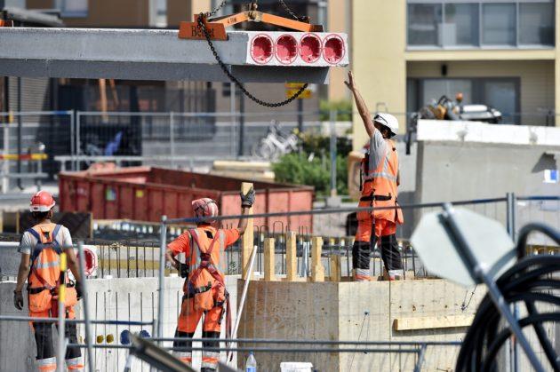 LKS 20180724 Kuninkaantammen asuinalueen rakennustöitä Helsingissä 24. heinäkuuta 2018. LEHTIKUVA / EMMI KORHONEN