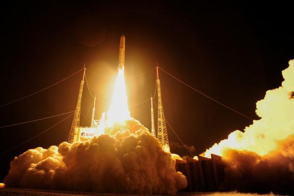 BepiColombo-luotainparia kantava raketti laukaistiin Ranskan Guayanasta Etelä-Amerikasta.