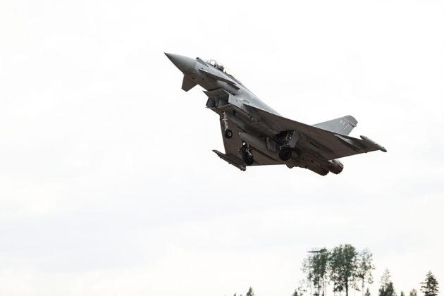 Yhteiseurooppalainen Eurofighter on yksi Hornet-hävittäjien seuraajaehdokkaista Suomen hävittäjähankinnassa.