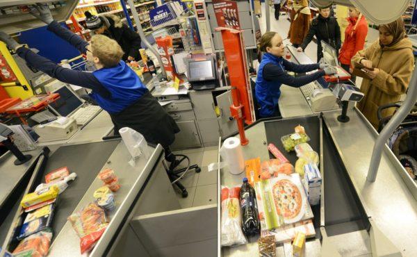LKS 20140320 LKS 20140106 Sokoksen S-market Hakaniemessä on loppiaisena auki Helsingissä maanantaina 6. tammikuuta 2014. LEHTIKUVA / VESA MOILANEN