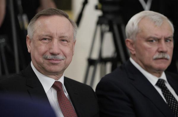 Pietarin tuore vt. kuvernööri Alexandr Beglov (vas.) ja hänen edeltäjänsä Grigori Poltavtshenko Pietarissa 3. lokakuuta 2018.