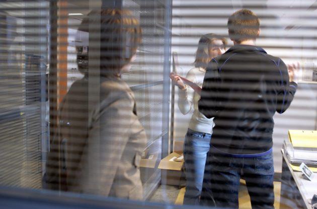 LKS 20170725 LKS 20120614 Toimistotyö. Työelämä. Työyhteisö. Erimielisyys. ... People working at an office. Workplace. Conversation. Disagreement. LEHTIKUVA / MARJA AIRIO