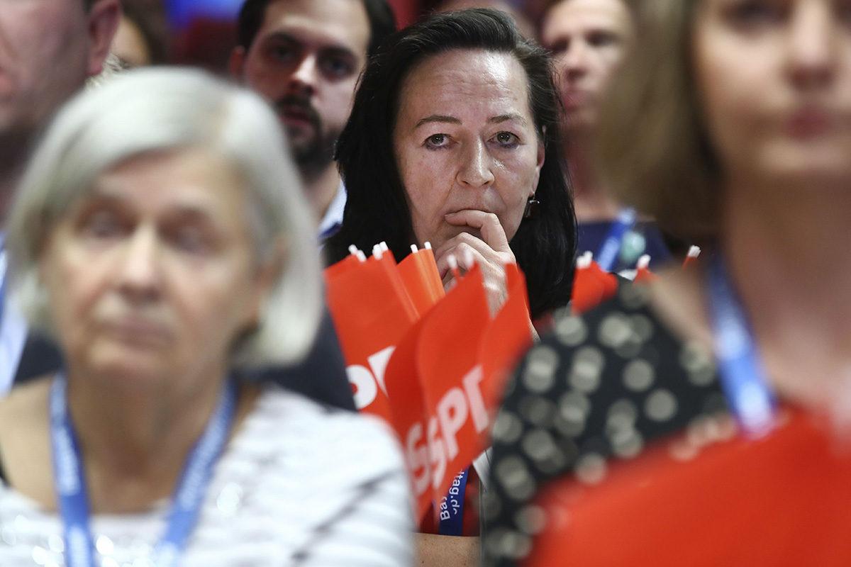 Pettyneitä sosiaalidemokraattien kannattajia Münchenissä 14. lokakuuta 2018.
