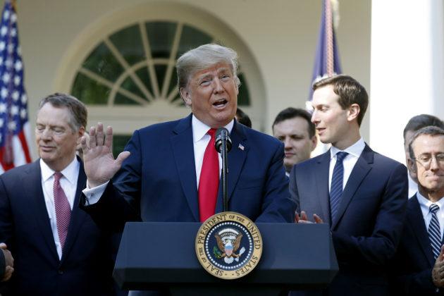 Presidentti Donald Trump kertoi Yhdysvaltain, Kanadan ja Meksikon välisestä uudesta vapaakauppasopimuksesta Washingtonissa 1. lokakuuta 2018.
