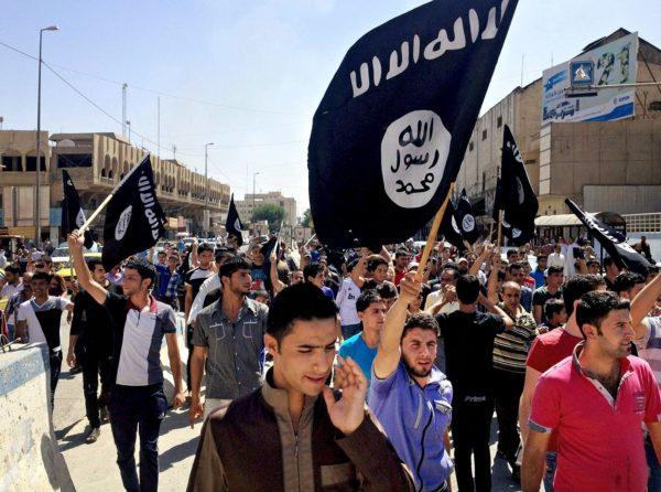 Isis käyttää mustavalkoista lippua.