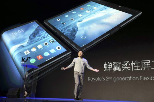 Yksi vaurastuneista kiinalaisista on Royale-yhtiötään johtava Bill Liu. Liu on kehittänyt älypuhelimen näytön, jonka voi taittaa tai rullata.