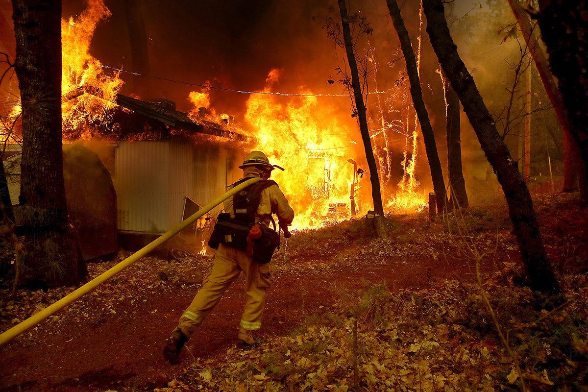 Kaliforniassa on kärsitty pahoista maastopaloista syksyn 2018 aikana. Ilmastonmuutoksen uskotaan lisäävän maastopaloja.