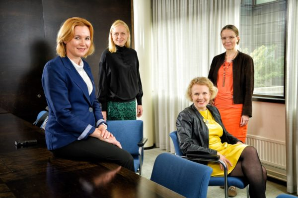 Mari Pantsar, Elina Lepomäki, Hanna Ojanen ja Pilvi Torsti.