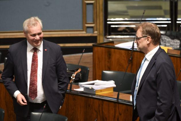 Sdp:n Antti Rinne ja keskustan Juha Sipilä eduskunnan täysistunnossa Helsingissä 16. lokakuuta 2018.