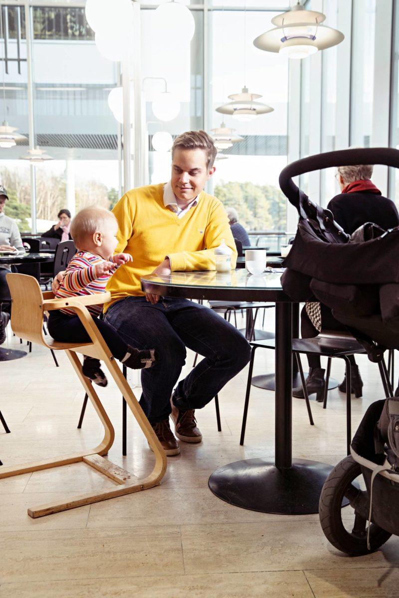 Elias Erämaja jäi vanhempainvapaalle, kun lapsi oli puolivuotias.