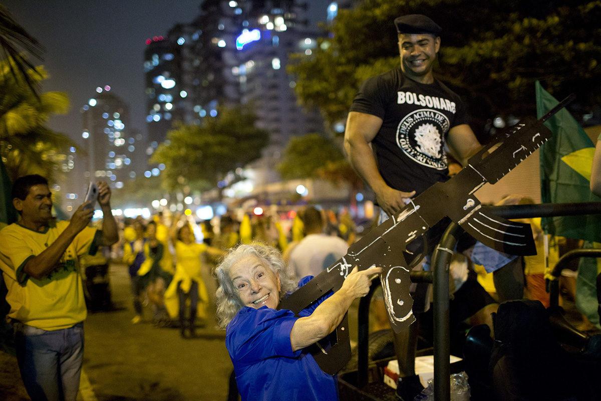 Jair Bolsonaron kannattajat juhlivat presidentinvaalien toisen kierroksen tulosta Rio de Janeirossa 28. lokakuuta 2018.