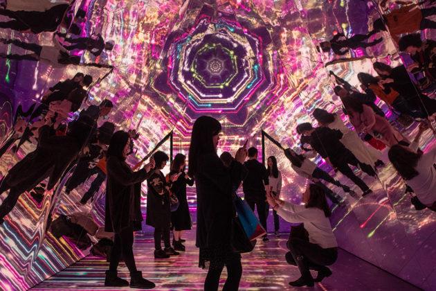 Elinajanodotetta korostavalla mittarilla Hong Kong nousisi elämänlaadussa maailman kärkeen. Kaleidoskooppi-installaatio kauppakeskuksessa Hong Kongissa joulukuussa 2018.