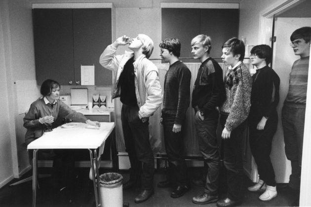 Poliorokotus Linnan lukiossa Kajaanissa helmikuussa 1985.