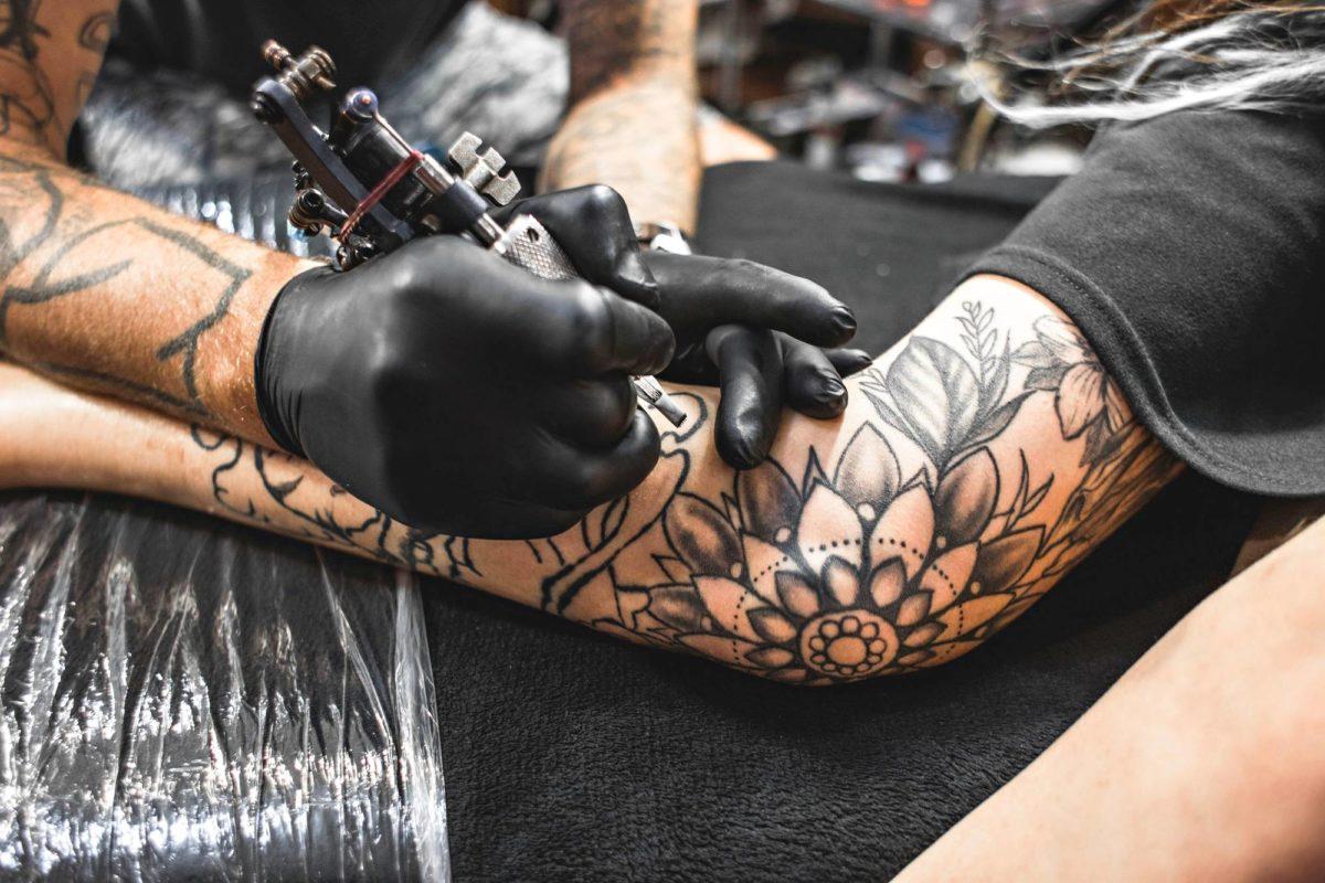 Tatuointi-innostus on noussut alemmista sosiaaliluokista ylöspäin.