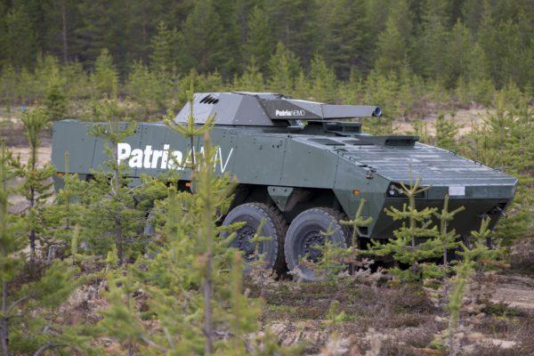 Patria AMV -ajoneuvo osallistui ammuntoihin 25. toukokuuta 2016 Rovajärvellä.
