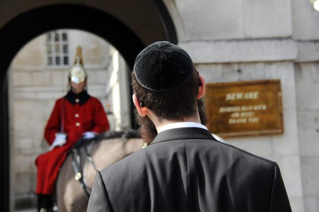 Juutalaismies Lontoon Whitehallissa.