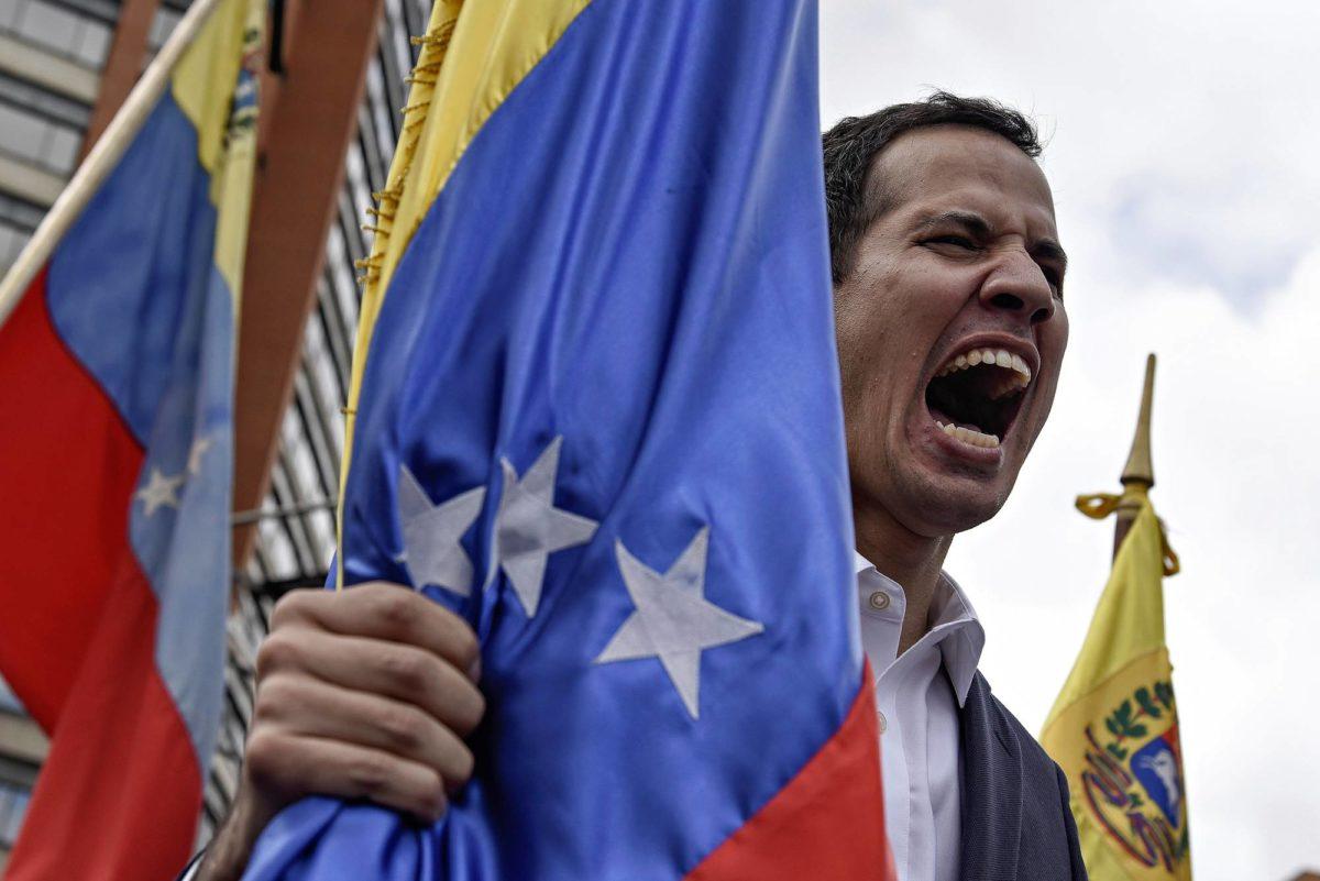 Puhemies Juan Guaidó julistautui väliaikaiseksi presidentiksi 23. tammikuuta.