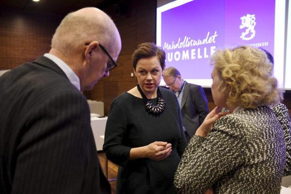 Valtiosihteeri Paula Lehtomäki (kesk) laati virkamiesten kanssa Mahdollisuudet Suomelle -raportin, joka julkistettiin Helsingissä 28. tammikuuta 2019.