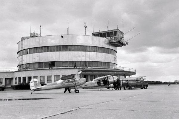 Malmin lentokenttä ja lentoasema vuonna 1958.