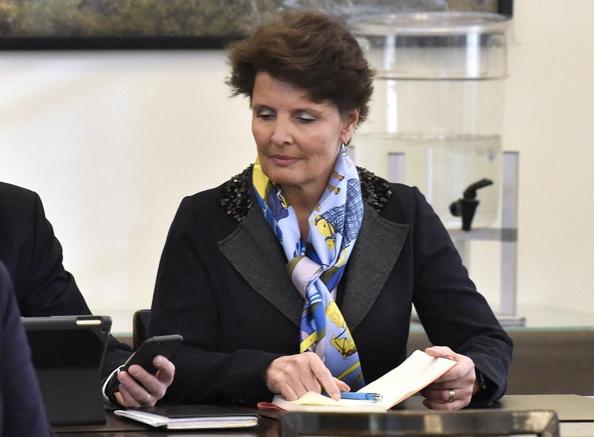 Liikenne- ja viestintäministeri Anne Berner keskustan eduskuntaryhmän kokouksessa Helsingissä 21. helmikuuta 2019.