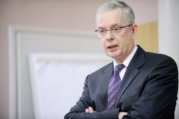 Valtiovarainministeriön budjettipäällikkö Hannu Mäkinen joulukuussa 2010.