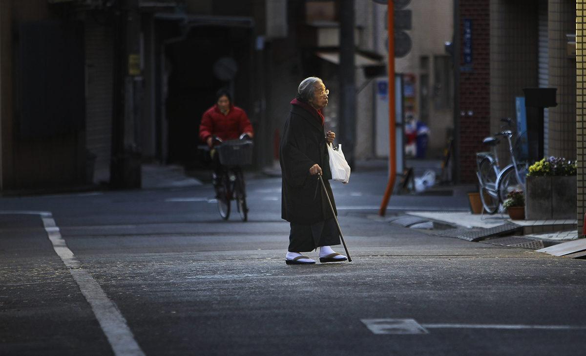 Useampi kuin joka neljäs japanilainen on nyt yli 65-vuotias. Kuva Tokiosta vuodelta 2011.