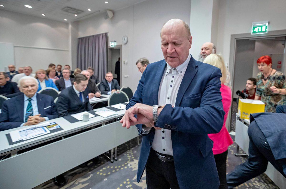 Mart Helme on Ekren puheenjohtaja.