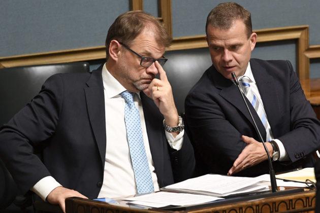 Pääministeri Juha Sipilä (kesk) ja valtiovarainministeri Petteri Orpo (kok).