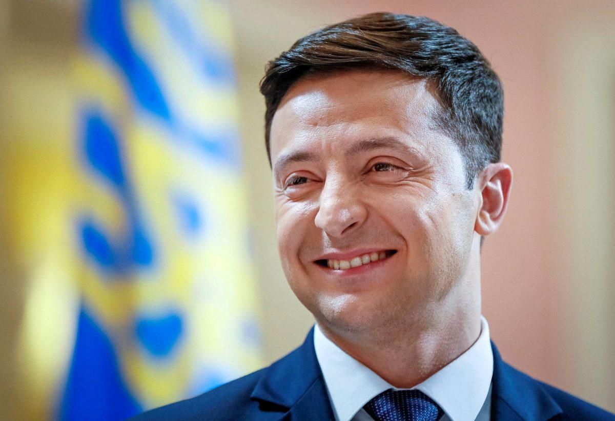 Kyselyissä Volodomyr Zelenskiä tukevat nuoret.