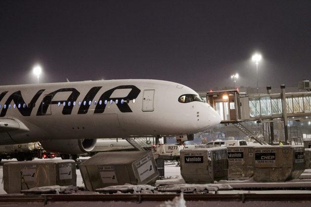Finnairin lentokone Helsinki-Vantaan lentokentällä Vantaalla 17. tammikuuta 2019.