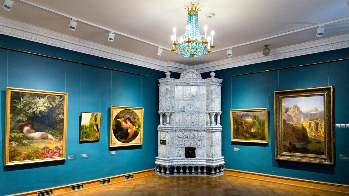 Kadriorgin barokkipalatsi tarjoaa vanhaa ulkomaista taidetta.