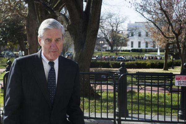 Erikoissyyttaja Robert Mueller Valkoisen talon edustalla Washingtonissa 24. maaliskuuta 2019.