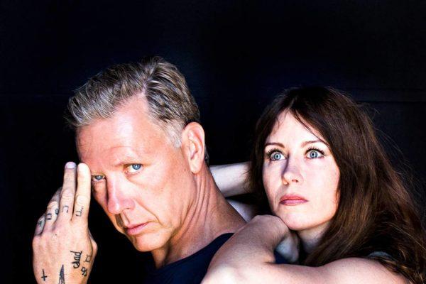 "Mikael Persbrandt ja Anna Odell ""omana itsenään""."