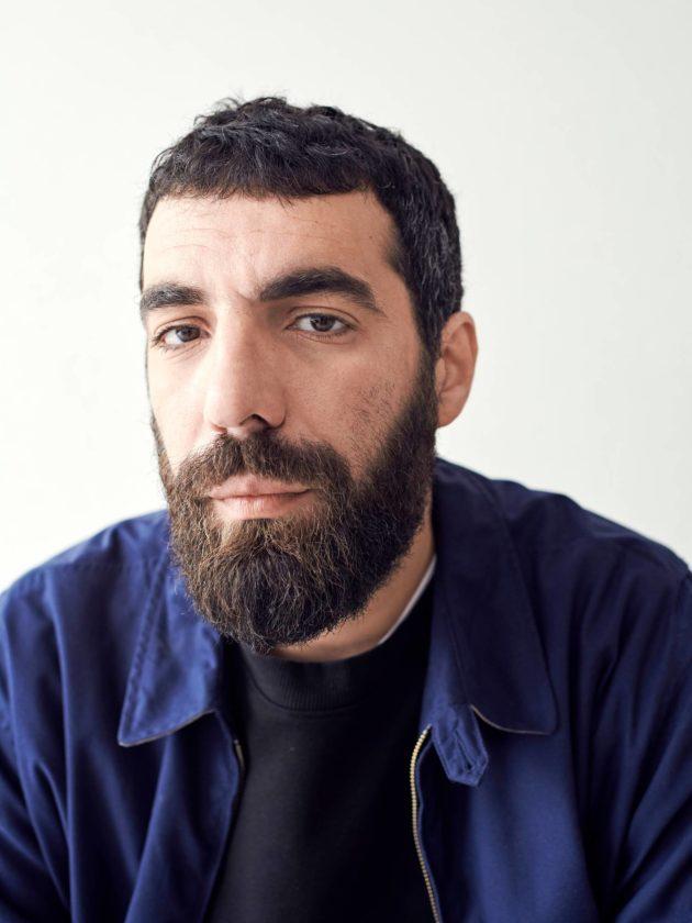 Romain Gavras on elokuvaohjaaja toisessa polvessa.