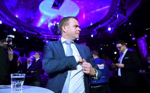 Kokoomuksen puheenjohtaja Petteri Orpo puolueen vaalivalvojaisissa.Kokoomuksen puheenjohtaja Petteri Orpo puolueen vaalivalvojaisissa. Eduskuntavaalit2019.