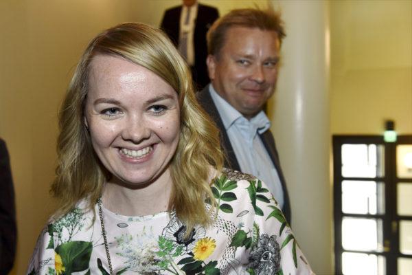 Keskustan Katri Kulmuni ja Antti Kaikkonen eduskunnassa toukokuussa 2018.