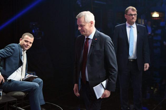 Kokoomuksen Petteri Orpo, Sdp:n Antti Rinne ja keskustan Juha Sipilä ennen MTV3:n tenttiä Helsingissä 2. huhtikuuta 2019.