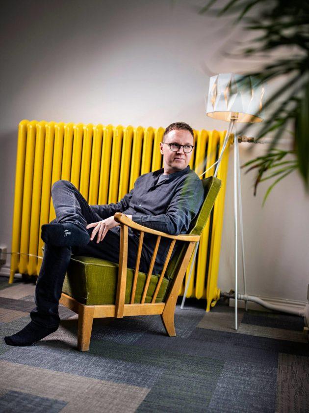 Kauppatieteiden tohtori Paavo Järvensivu haastaa vallitsevat käsitykset taloudesta ja ympäristöongelmien ratkaisusta.